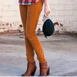 Madewell corduroy Jeans style 98907